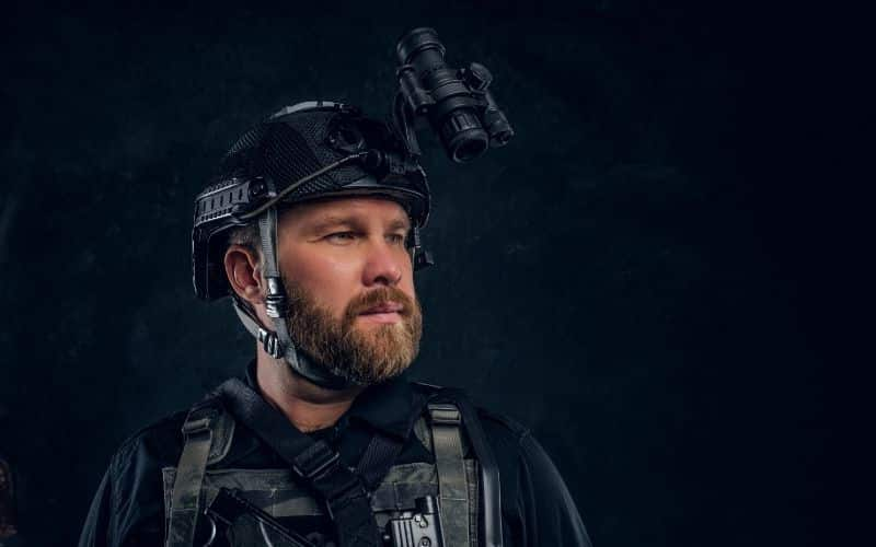 head mounted night vision device